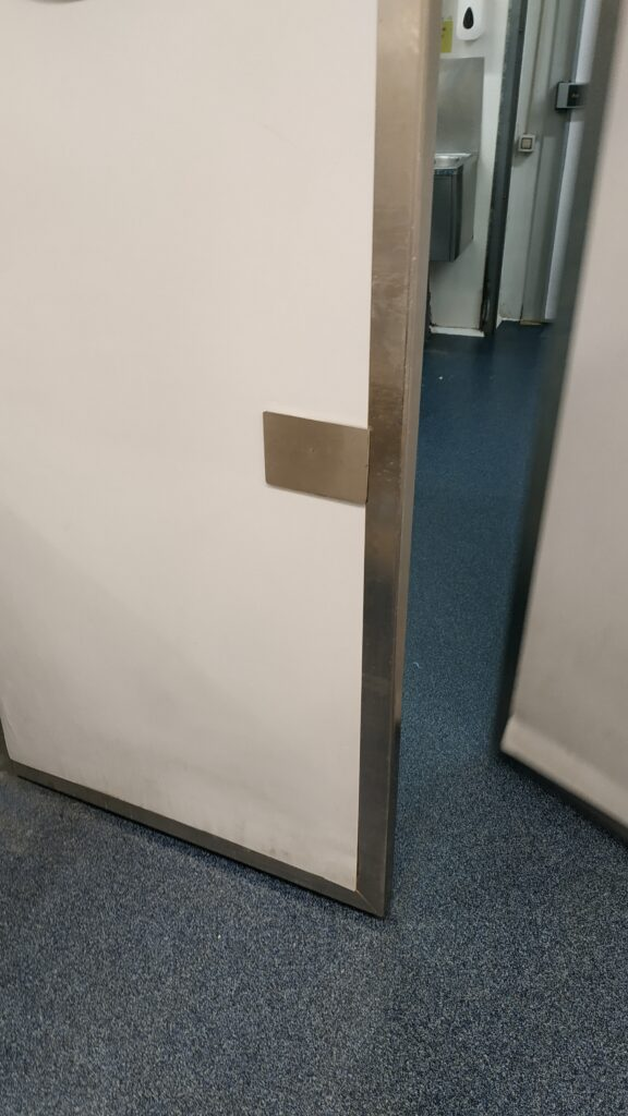 protector puerta cocinas